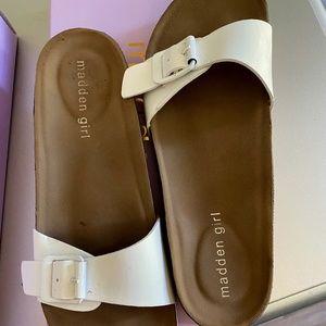 Madden Girl Women's Baallot Flat Sandal